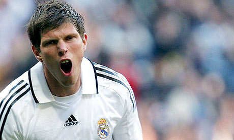 Klaas-Jan-Huntelaar-is-on-002